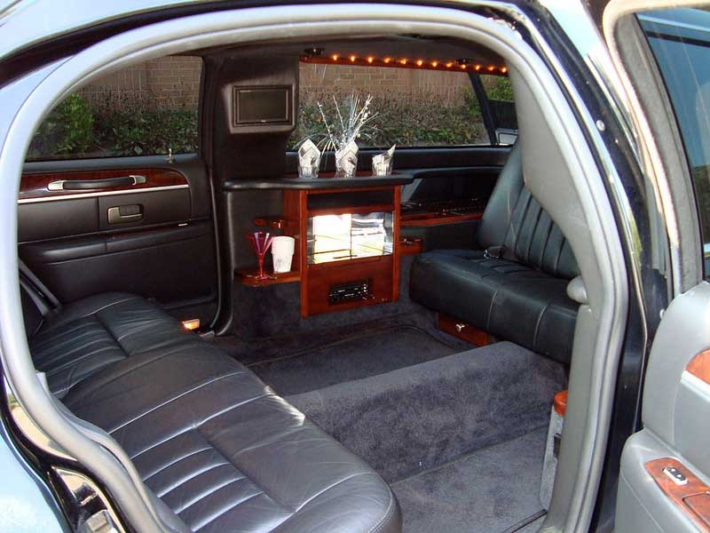 types of limos our fleet moonlight limousine. Black Bedroom Furniture Sets. Home Design Ideas